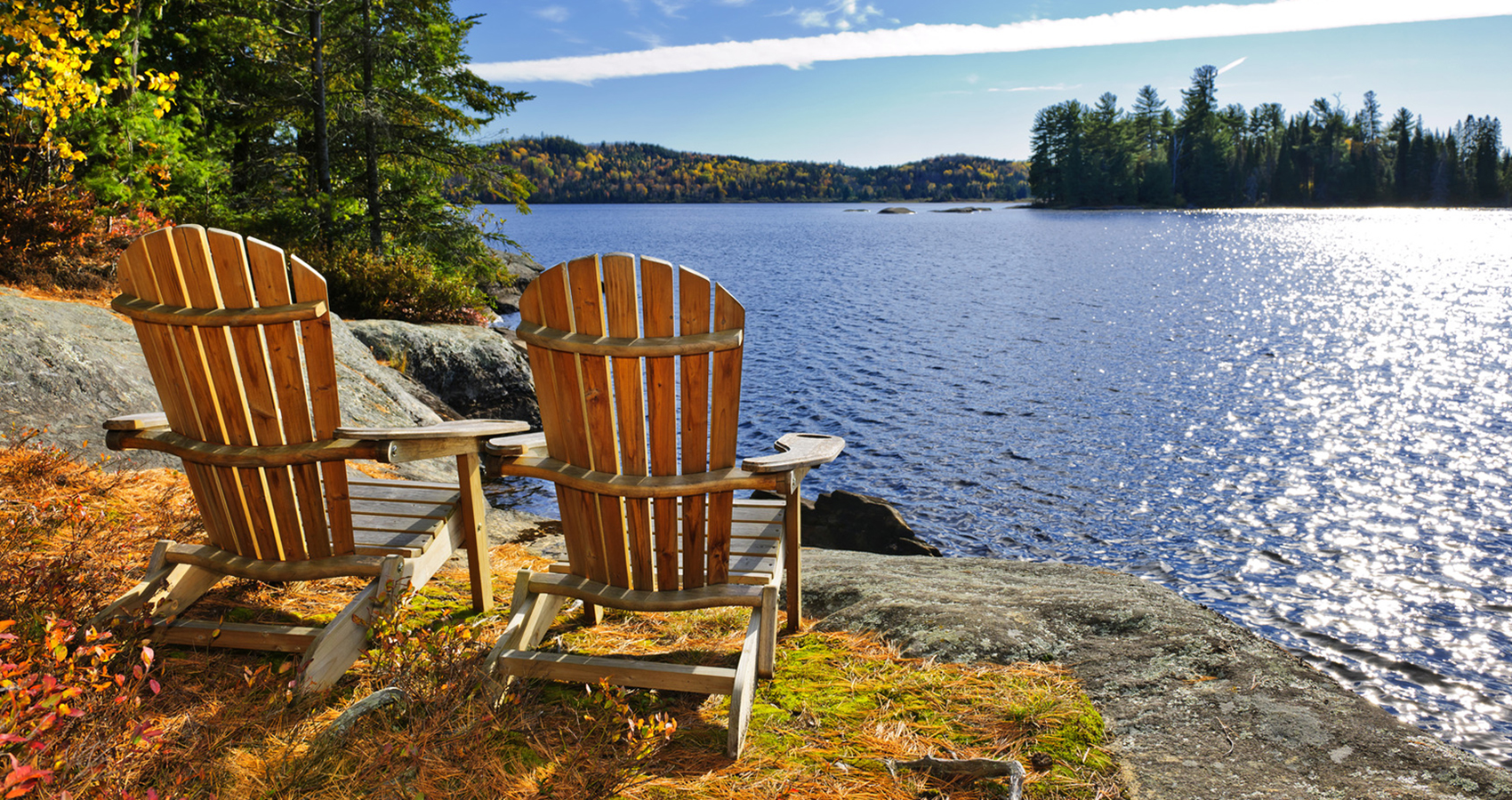 adirondack-chairs-and-lake